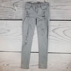 American Eagle Light Gray Wash Distressed Jegging